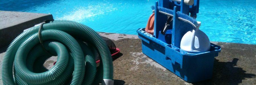 Sprzęt do czyszczenia basenu
